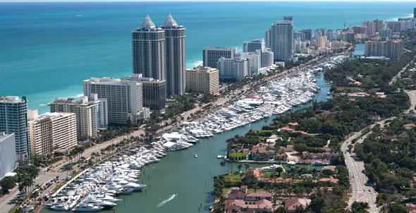 Luxury Yacht Charter Miami