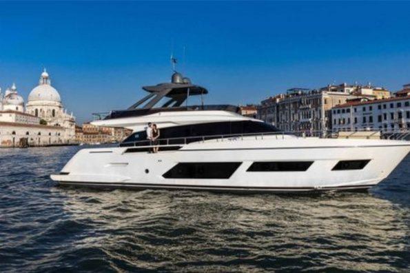 Ferretti Yachts 670 New