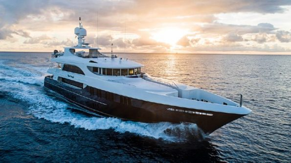 Miami yacht charter - Miami International Yachts Sales