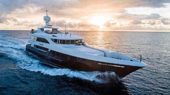 Miami yacht charter - Miami International Yachts Sales