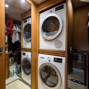 Top-Gun_laundry_1
