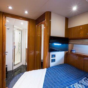 Top-Gun_starboard_guest_stateroom_3