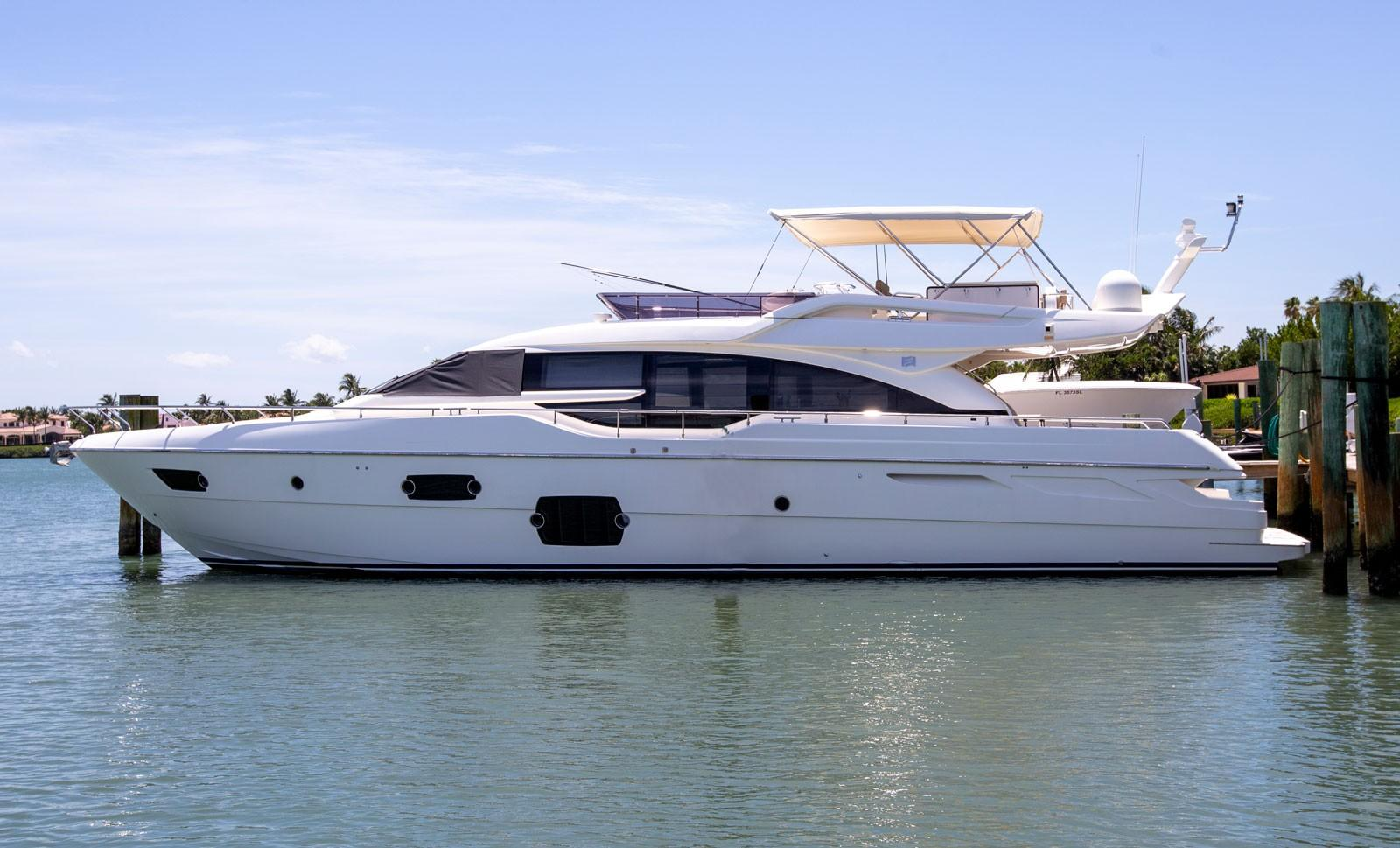 Flybridge Motoryacht - Ferretti Yacht 690